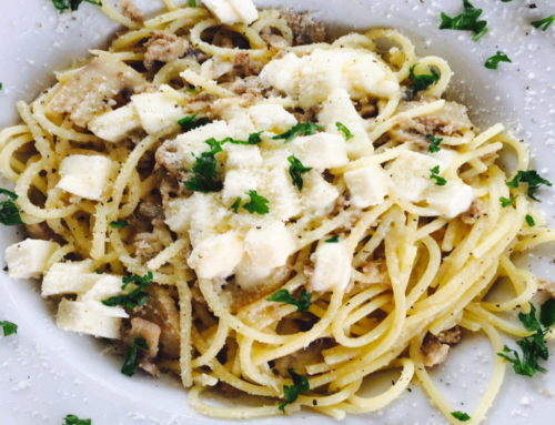 Spaghetti salsiccia funghi e stracchino stagionato
